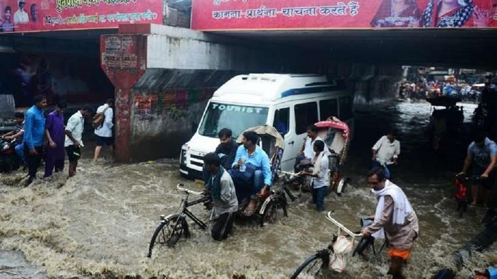 الفيضانات بسبب الأعاصير في الهند - أرشيف