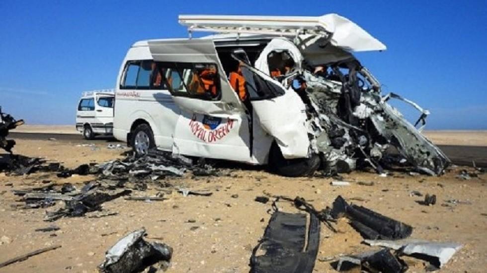 مصرع 12 شخصا وإصابة 11 بحادث سير مروع في القاهرة