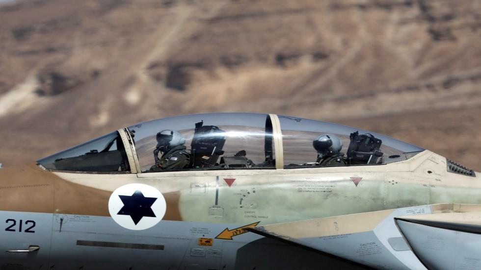 الطيران الإسرائيلي يؤكد قصفه أهدافا