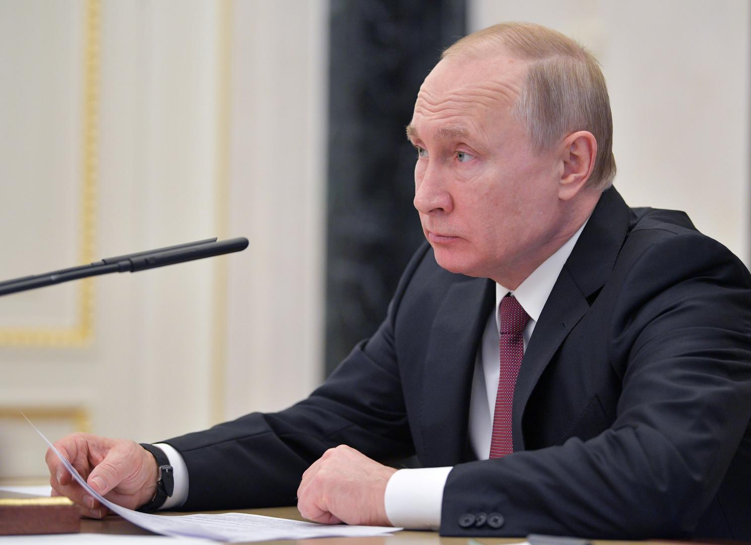 بوتين يقيل جنرالين في الداخلية على خلفية اعتقال صحفي روسي