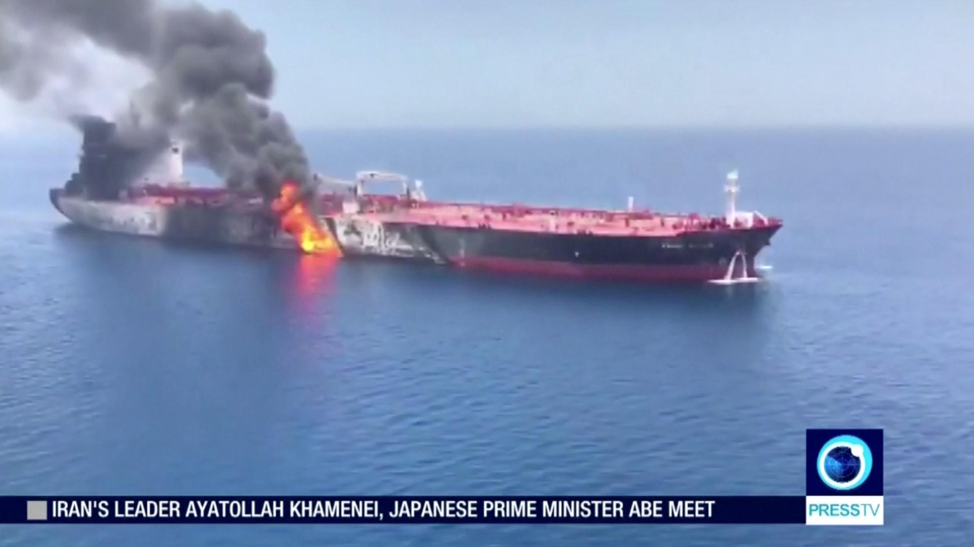 إيران ترفض الاتهامات الأمريكية باستهداف ناقلتي النفط في بحر عمان