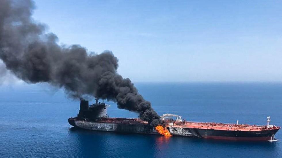 عمانيون يتصدون للمسيئين لبلادهم على خلفية تفجيري ناقلتي النفط