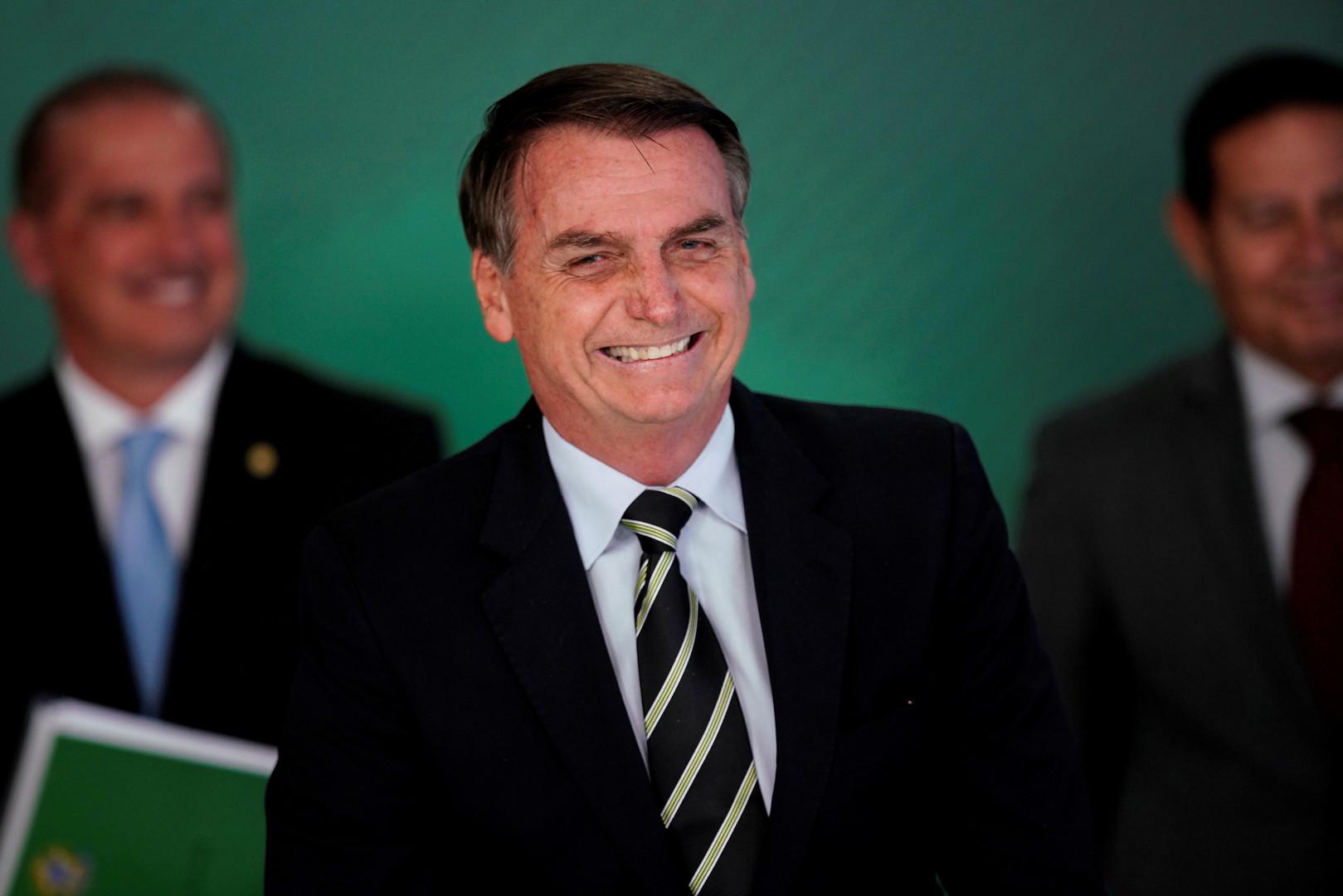 الرئيس البرازيلي يقيل ثالث وزير في غضون 6 أشهر