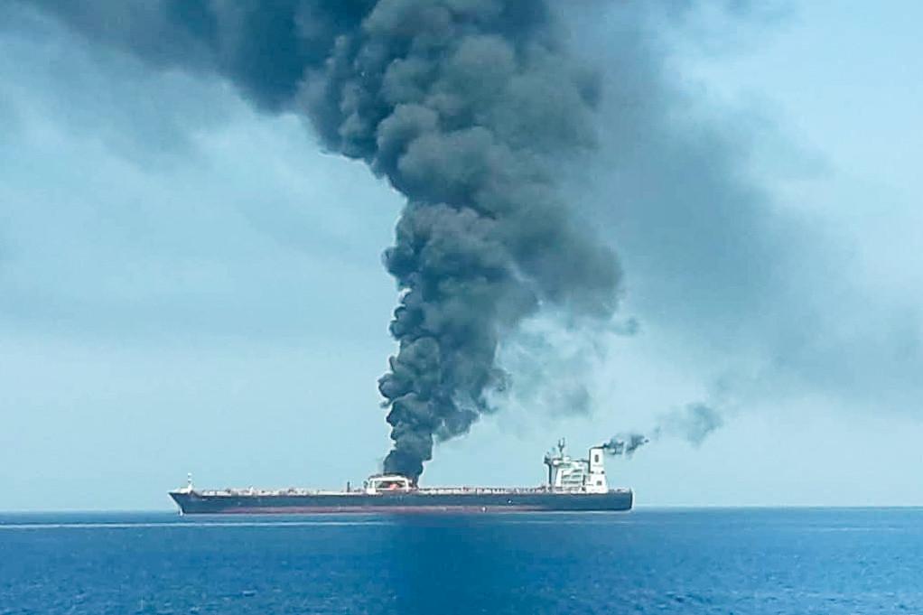 البحارة الروس الذين كانوا على متن ناقلتي النفط المنكوبتين في طريقهم إلى الوطن