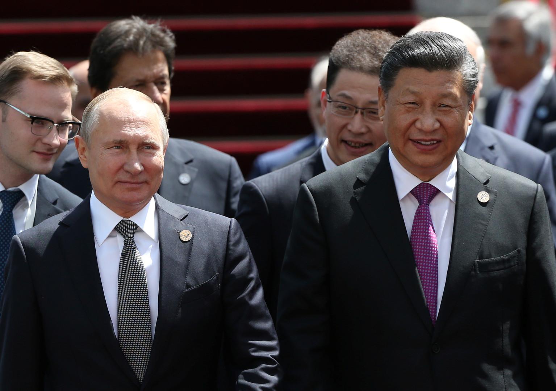 بوتين يدعو للامتناع عن خوض