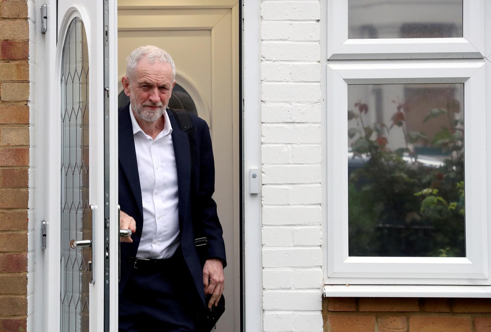 زعيم المعارضة البريطانية: إلقاء اللوم على إيران دون أدلة في حادثة خليج عمان يؤجج التصعيد