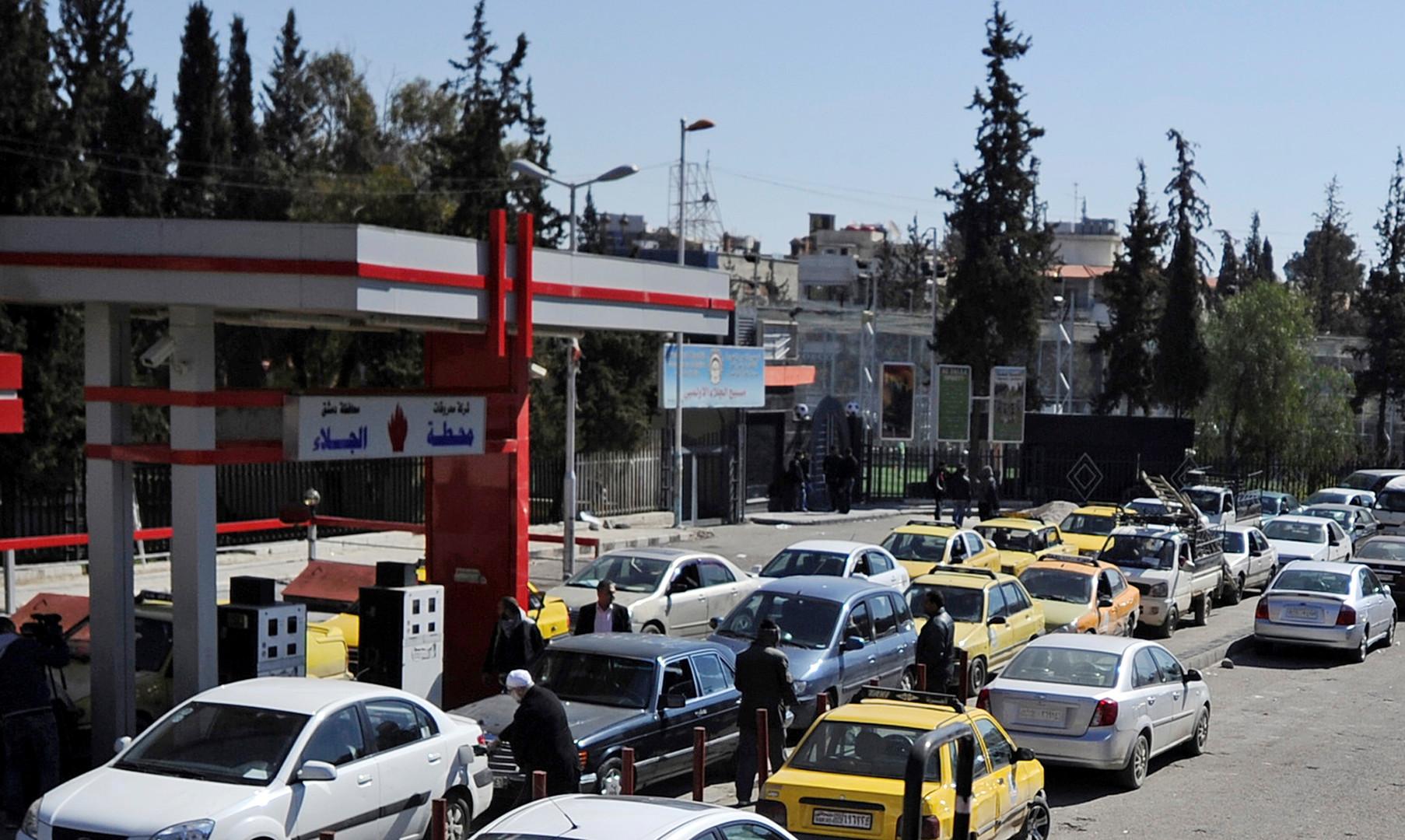 الحكومة السورية تقرر رفع سعر البنزين الأكثر طلبا