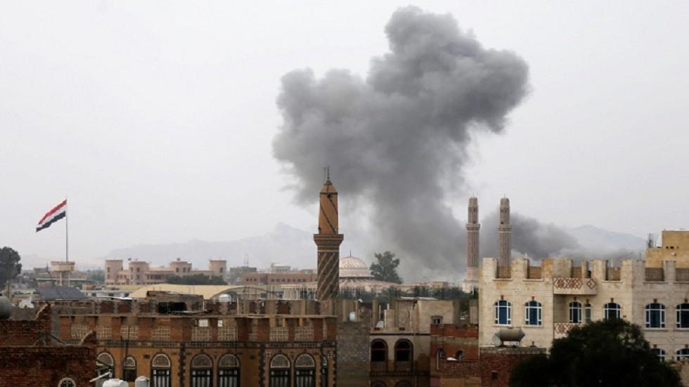 مقتل ثلاثة أطفال وإمراة في غارة جوية على حجة باليمن