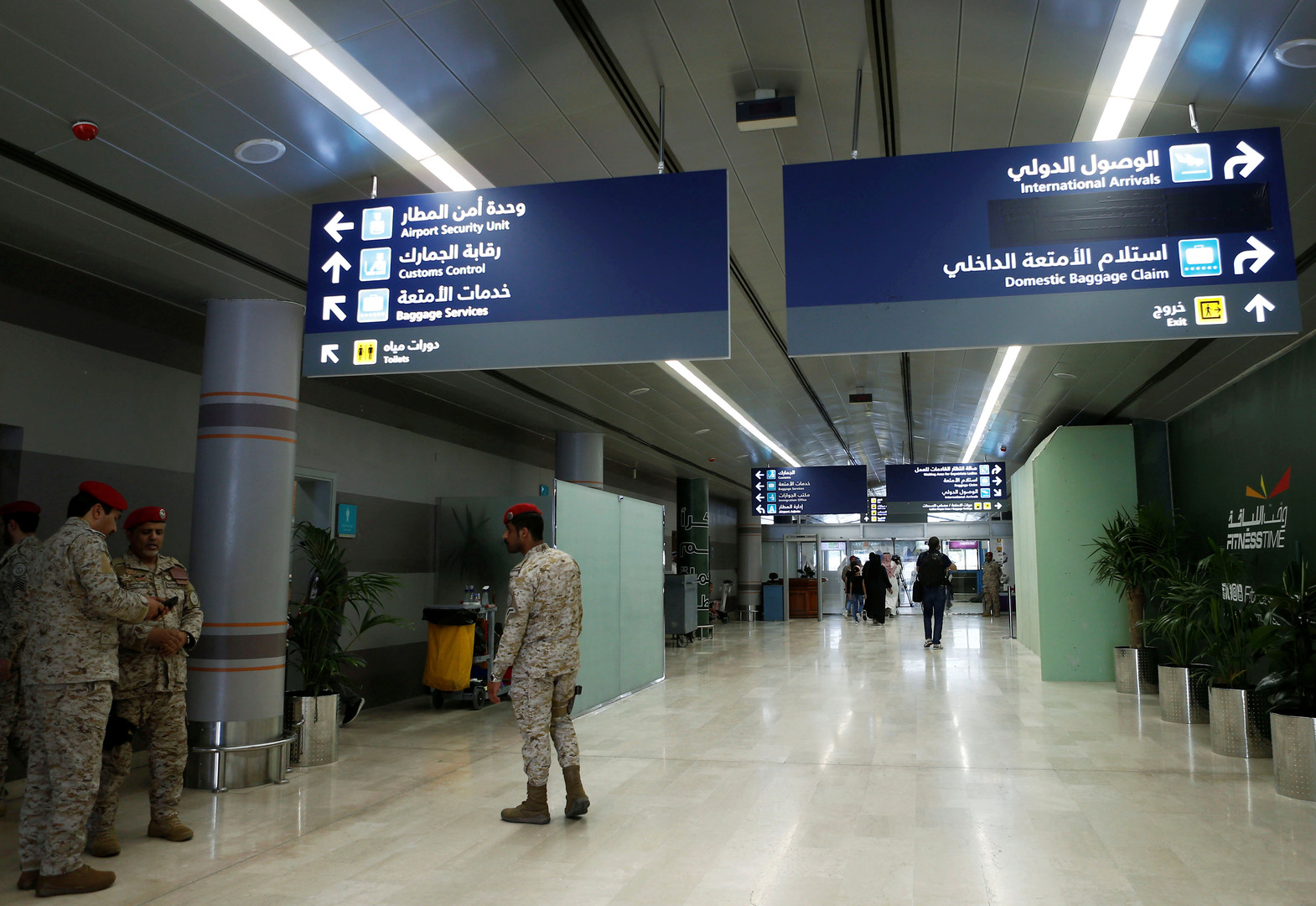 طائرات الحوثيين المسيّرة تضرب مطار أبها السعودي من جديد