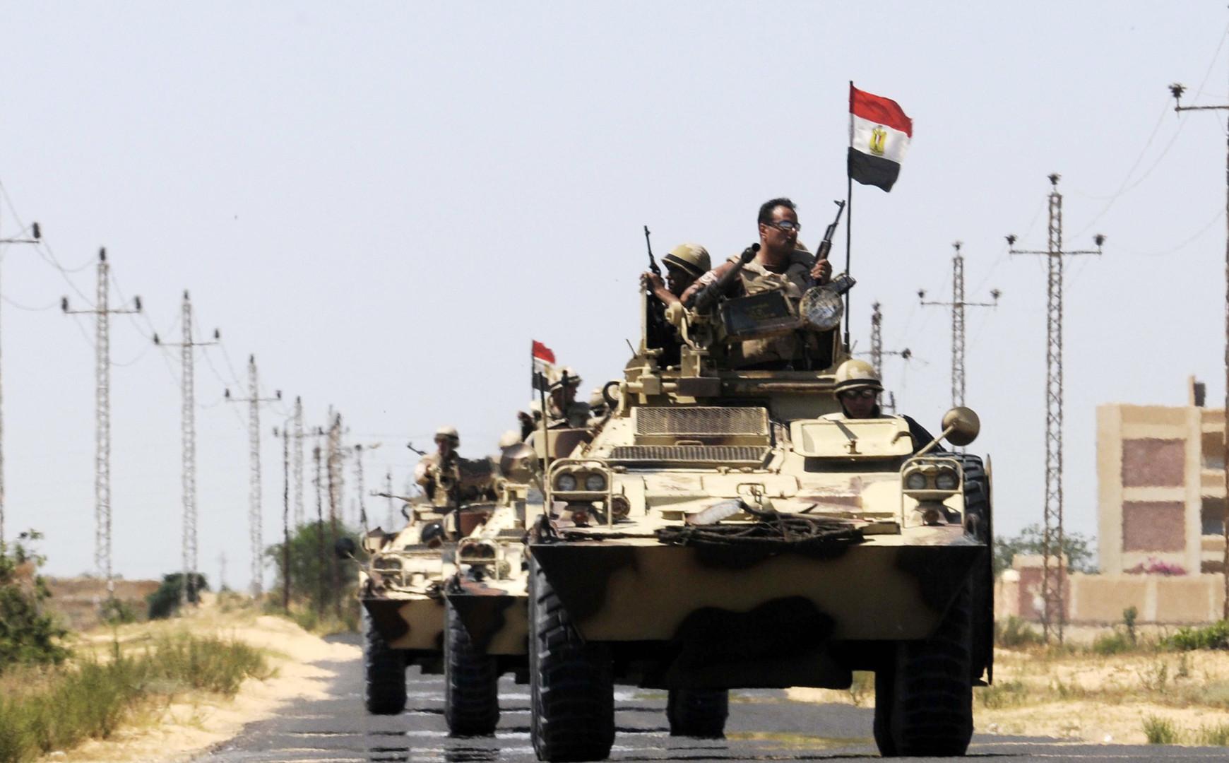 آليات عسكرية مصرية في سيناء - أرشيف
