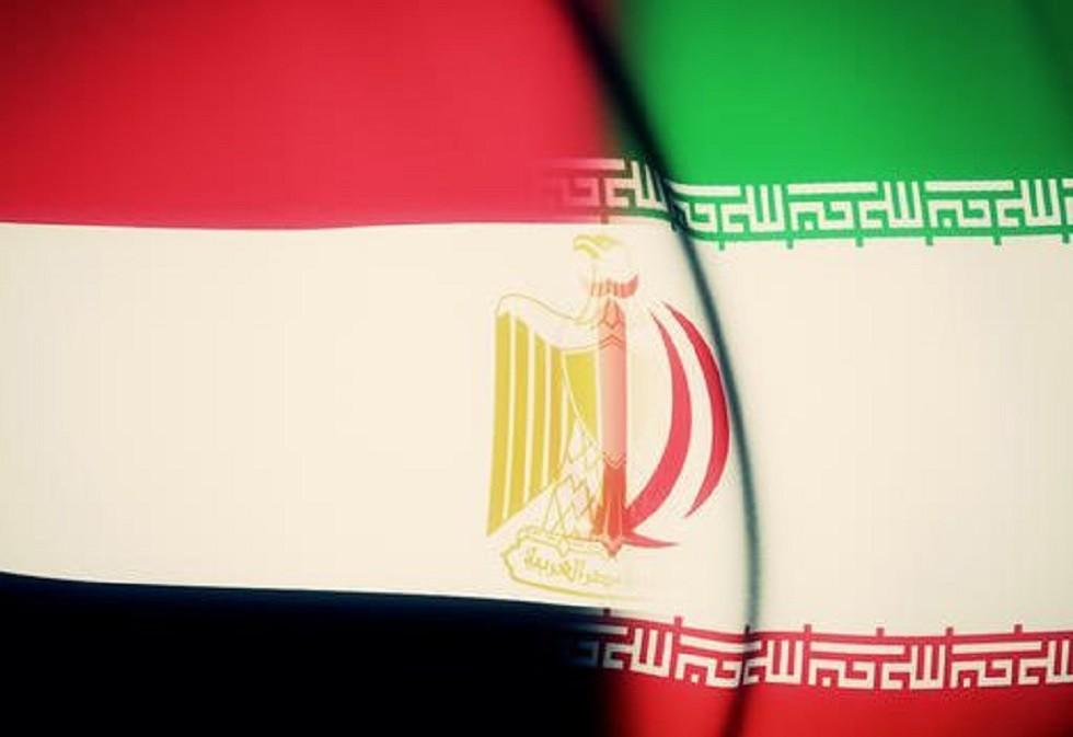 أكاديمي سعودي يتساءل عن موقف مصر من إيران