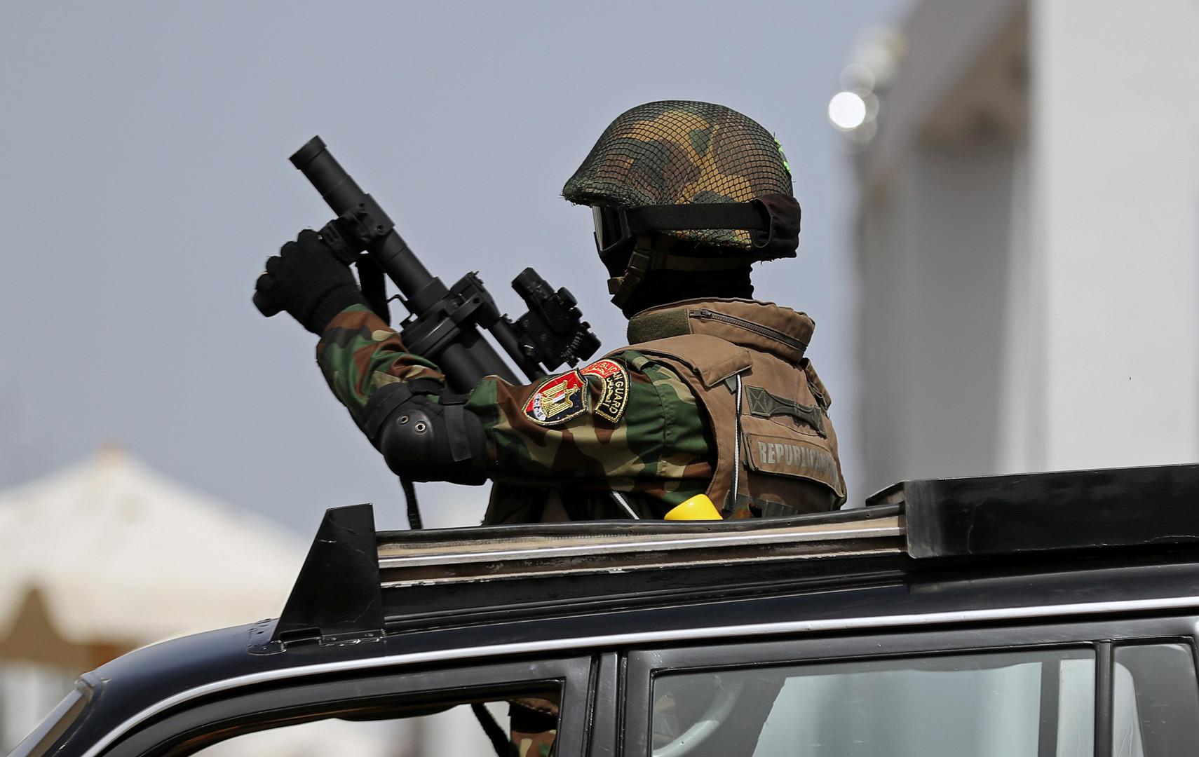 عنصر من قوات الأمن المصرية