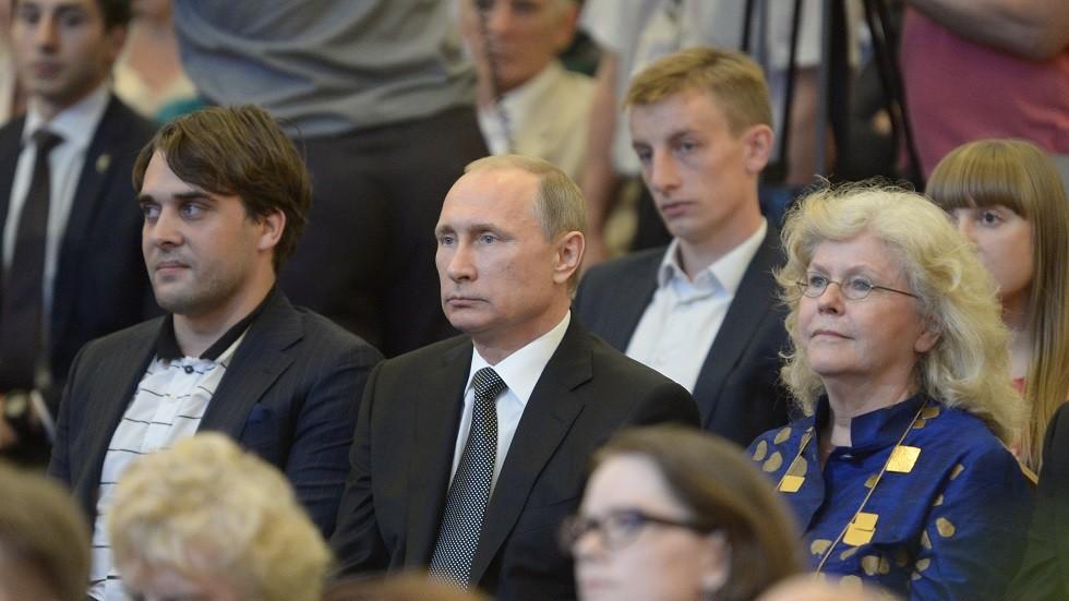 الرئيس الروسي، فلاديمير بوتين، في الحفل الختامي للدورة الـ 15 لمسابقة تشايكوفسكي 2 يوليو عام 2015