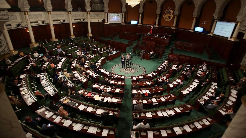 الرئيس التونسي يوقع أمرا يدعو فيه للانتخابات التشريعية والرئاسية سنة 2019