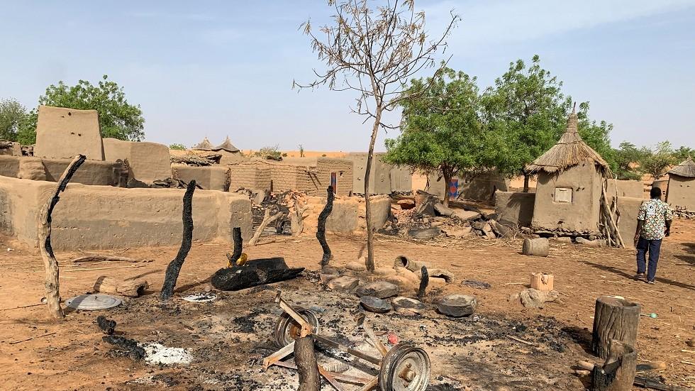 مقتل أكثر من 40 شخصا بهجوم شنه مسلحون وسط مالي
