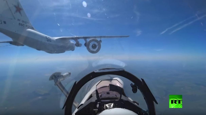 شاهد تزود بالوقود في الجو من قمرة طيار أحدث المقاتلات الروسية