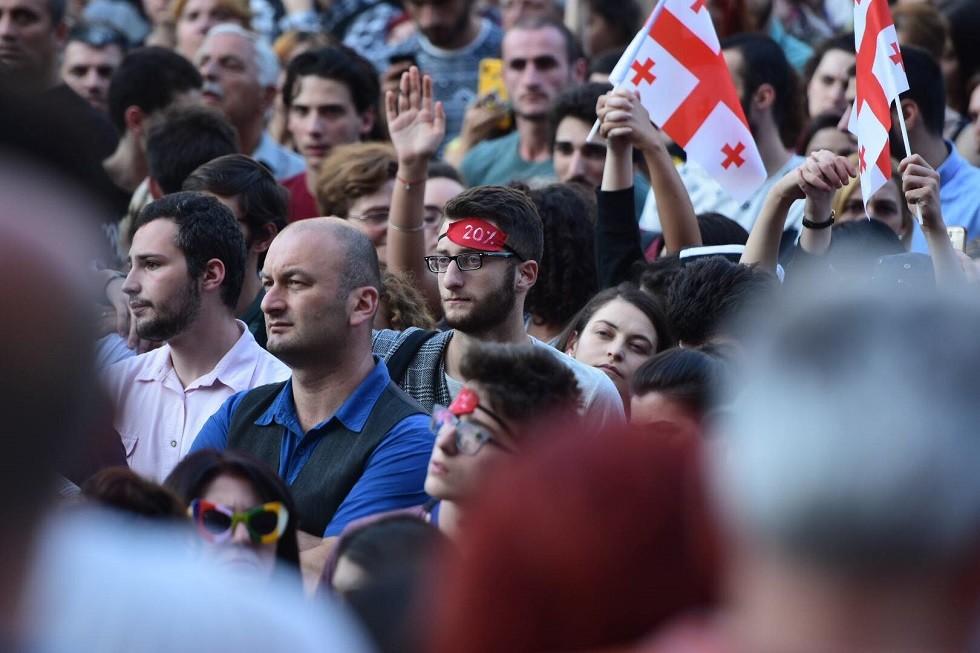 موسكو تطالب تبليسي بضمان أمن المواطنين والصحفيين الروس في جورجيا