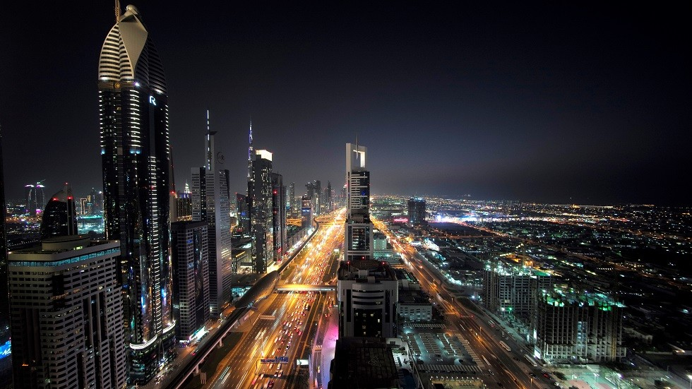 شارع الشيخ زايد في مدينة دبي بالإمارات