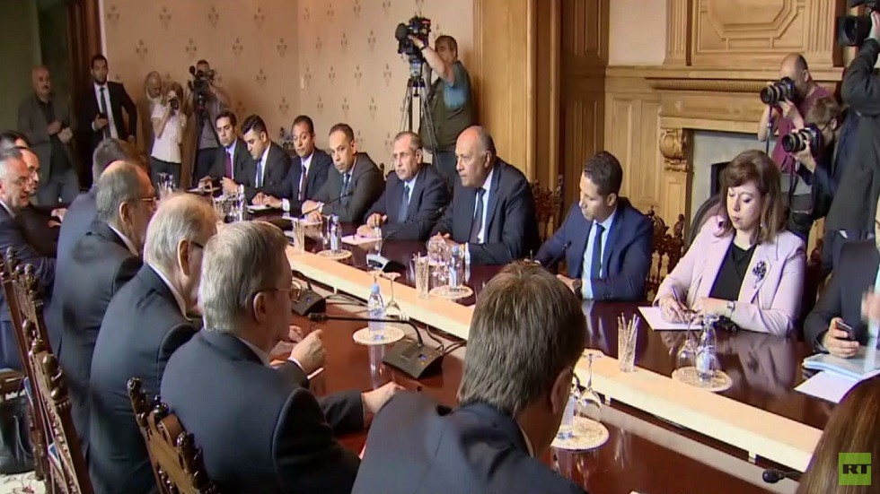 موسكو والقاهرة تناقشان العلاقات الثنائية