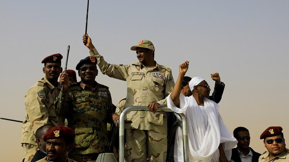 نائب رئيس المجلس العسكري في السودان محمد حمدان دقلو والمعروف بـ