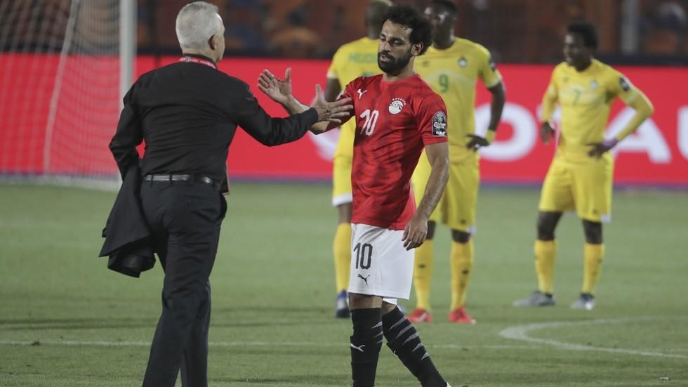 مدرب منتخب مصر يعلق على مستوى صلاح وأزمة وردة