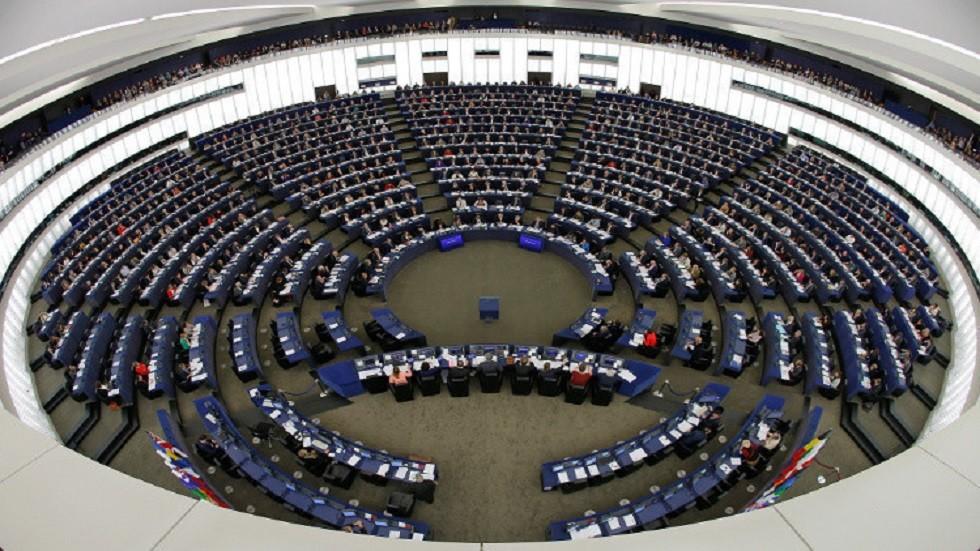 أوكرانيا تستدعي سفيرها لدى الاتحاد الأوروبي بعد قراره بشأن الوفد الروسي
