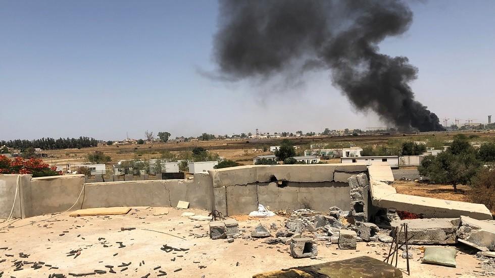 دخان يتصاعد من مناطق الاشتباك في طرابلس العاصمة