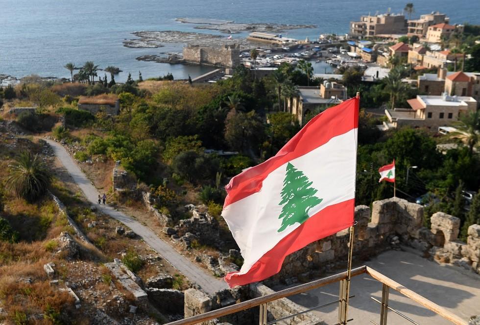 اقتراح بإعفاء أبناء اللبنانية المتزوجة من أجنبي من الحصول على إجازة عمل