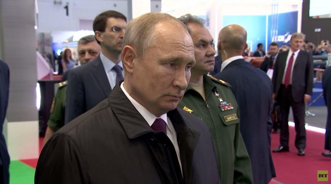 """بوتين يتفقد منتدى""""الجيش 2019"""""""