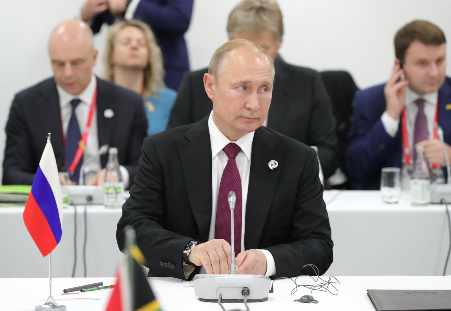 بوتين يدعو لفرض ضوابط على عمل الشركات متعددة الجنسيات
