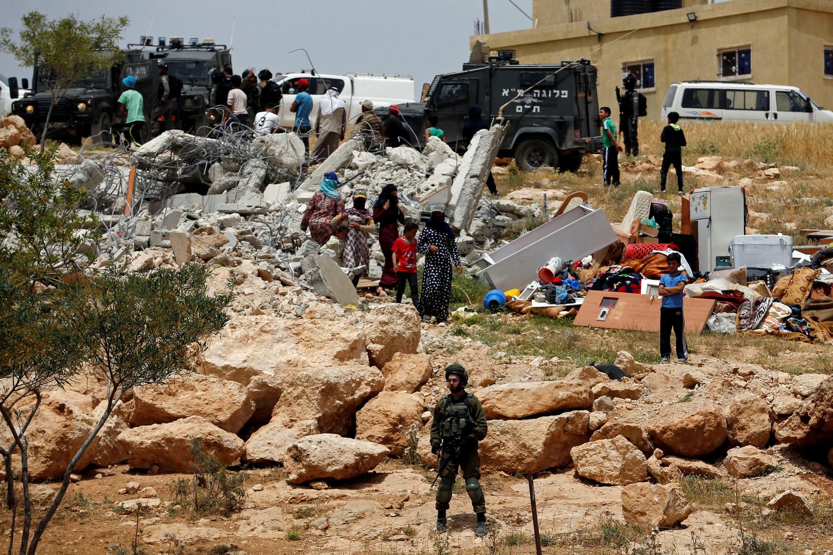 الجيش الإسرائيلي يعتقل 4 فلسطينيين بينهم وداد البرغوثي