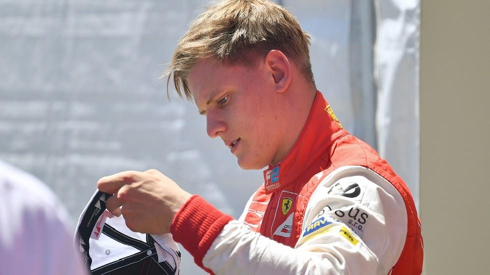 ميك شوماخر يقود سيارة فيراري الشهيرة الخاصة بوالده في سباق ألمانيا