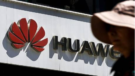 "Reports: US ban ""stop"" production of Huawei phones!"