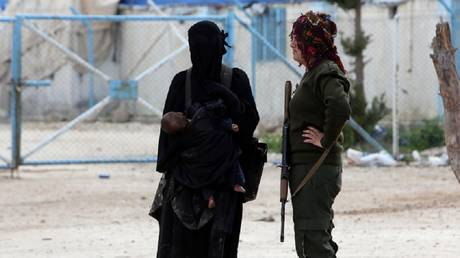 Kurdish militants hand over Washington Two US women and six children from northern Syria