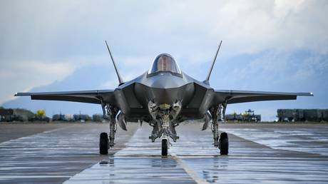 """Reuters"": Washington suspends reception of Turkish pilots for training on the ""F-35"""