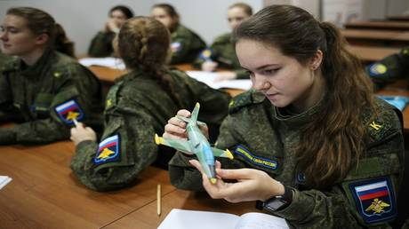 The Russian Air Force does not exclude the command of fighters by pilots