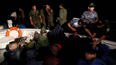 Tunisian Coast Guard foils 1,000 illegal immigration attempts