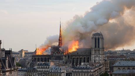Two months after the fire .. Revival of the first mass in Notre Dame, Paris