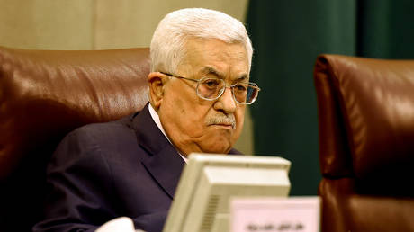 israeli channel: abbas secretly met with the head of the shin bet