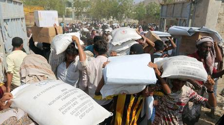 un warns of suspension of aid to yemenis