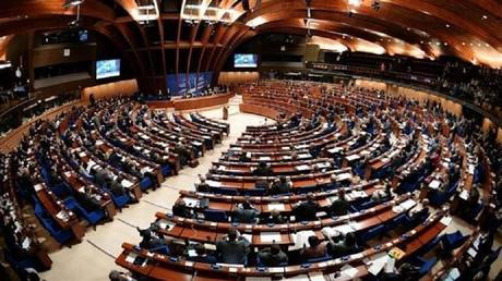 the parliamentary assembly of the council of europe returns to russia its voice and conditions