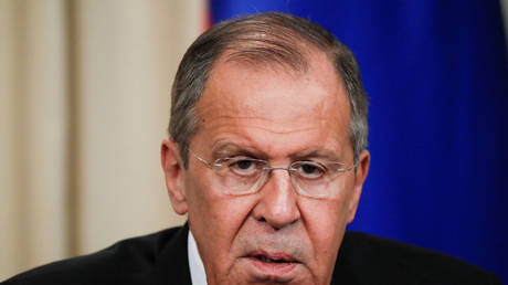 Lavrov: US sanctions on Iranian leaders indicate that the situation is moving towards a dangerous scenario