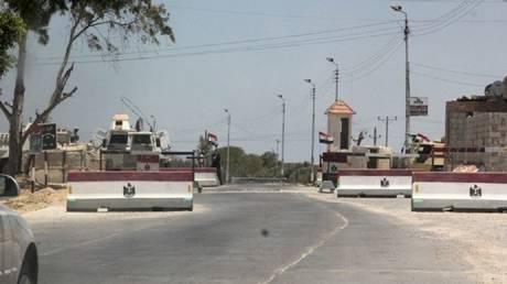مقتل 7 رجال أمن مصريين والقضاء على 7 مسلحين بهجوم شمال سيناء