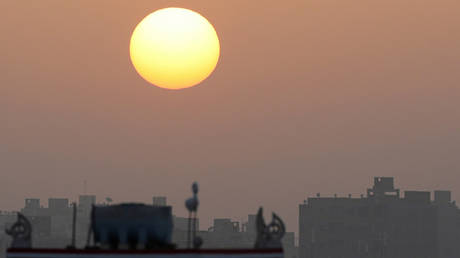 Egyptian Meteorologists warn of the dangers of a large heat wave