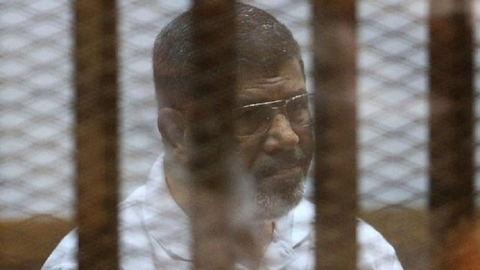 تقديم شهادة وفاة الرئيس المصري الأسبق محمد مرسي للمحكمة