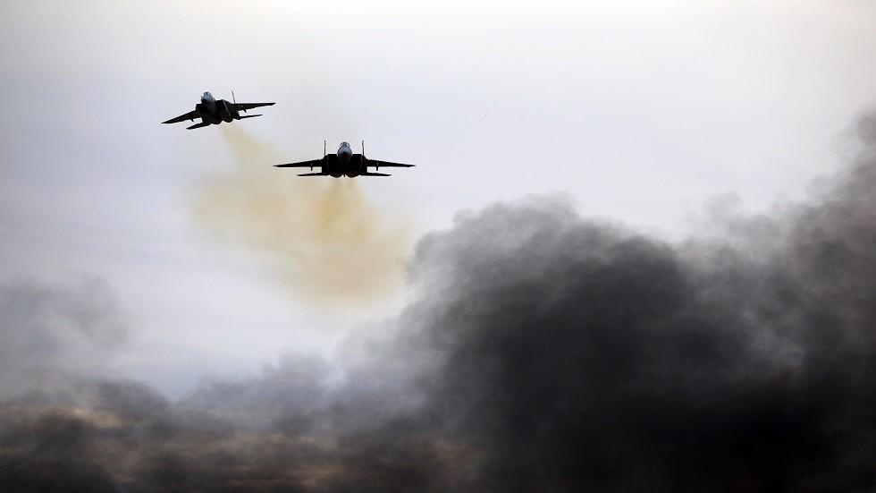 هآرتس: إسرائيل تستهدف في سوريا خط إمداد