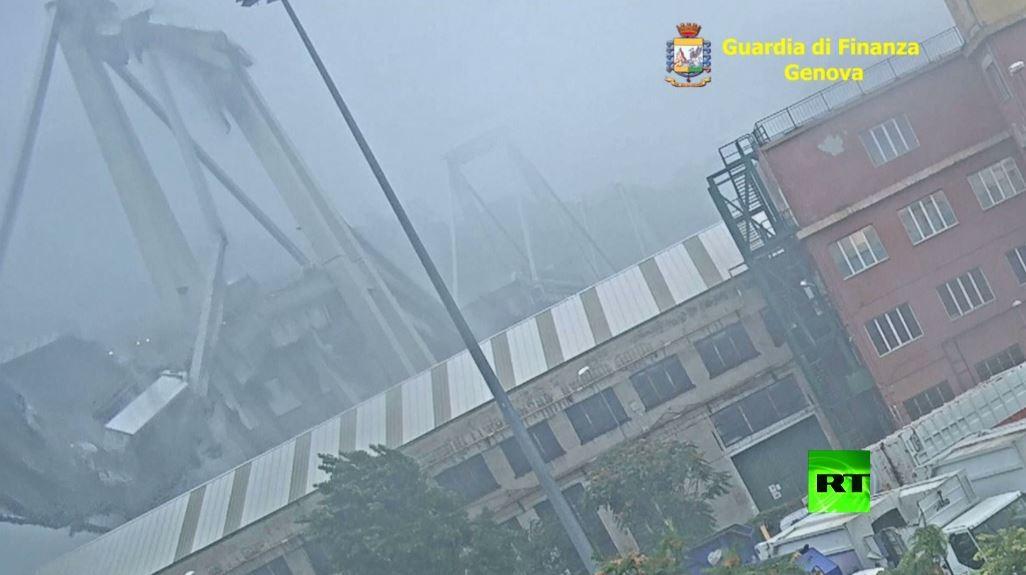 بعد تدميره.. شاهد فيديو جديد يظهر لحظة انهيار جسر جنوى
