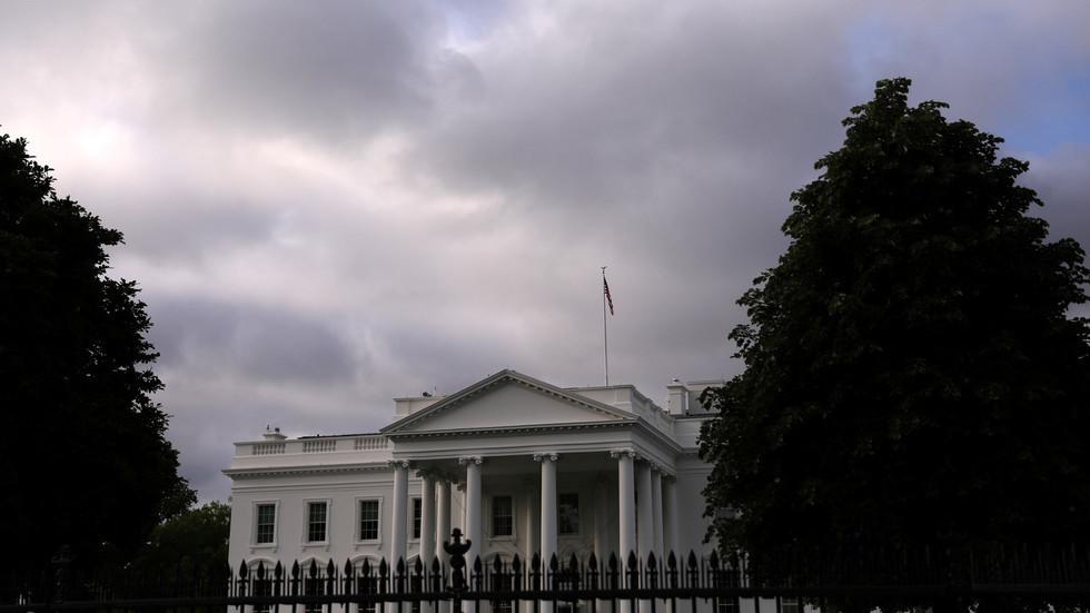 البيت الأبيض: يجب إلزام إيران بعدم تخصيب اليورانيوم على الإطلاق