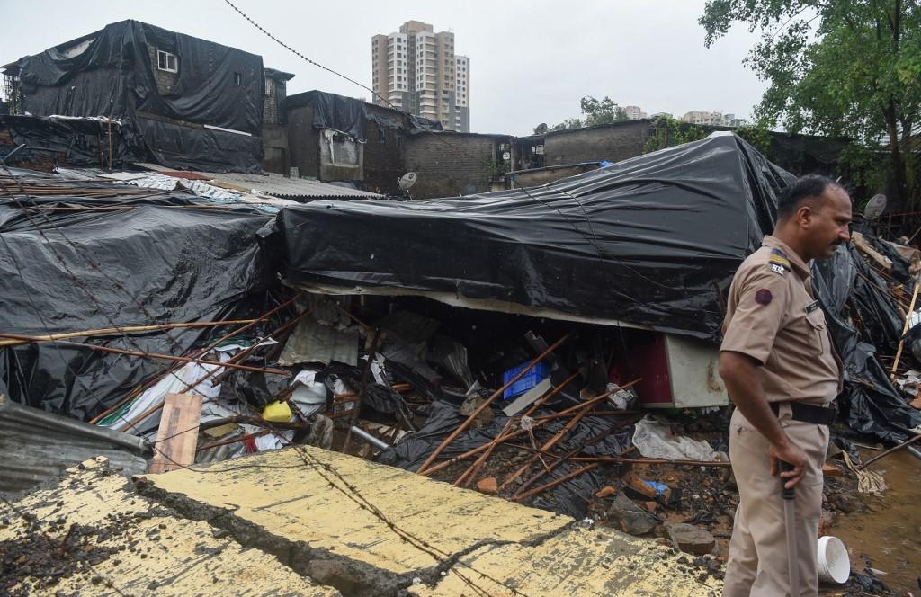 مقتل 18 شخصا على الأقل بحادث انهيار جدار جراء أمطار غزيرة في الهند