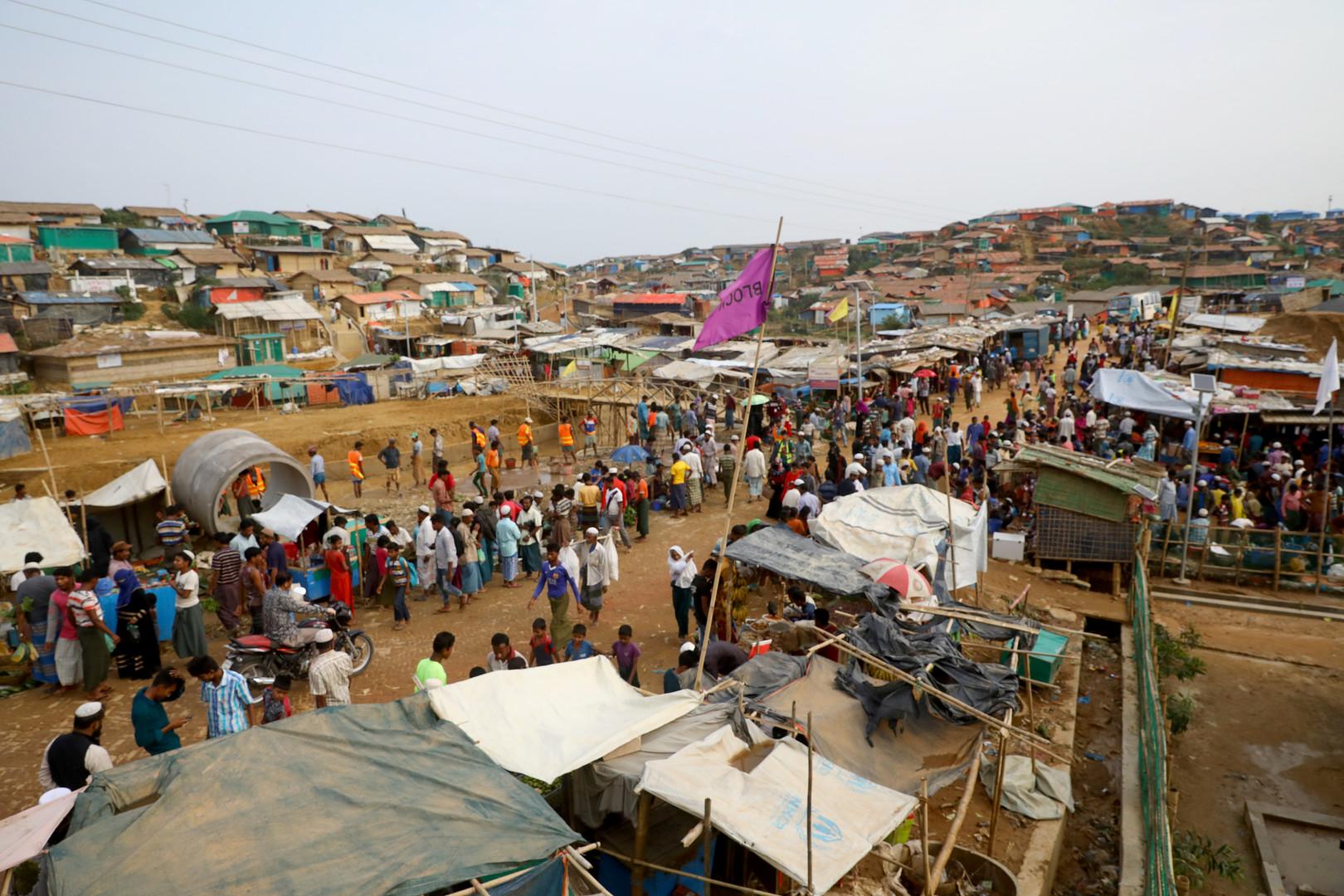 اللاجئون من مسلمي الروهينغا في بنغلادش
